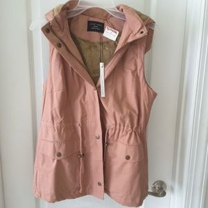 Love Tree size M hooded vest, brand new